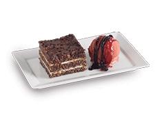 Turrón de avena con Salsa Gourmet Chocolate y Salsa Gourmet Premium Fruto del Bosque.